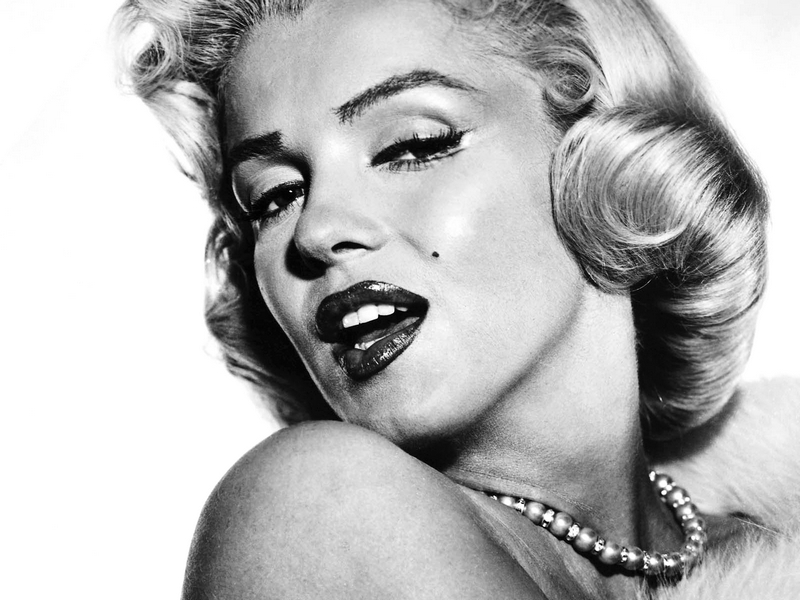 marilyn-monroe-wallpaper-11